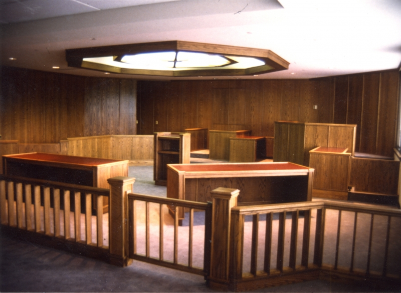 WASHINGTON CNTY COURTROOM LOOKIN IN FROM DOOR